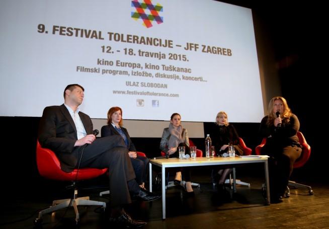 Sudionici diskusije : Identitet, kultura i naslijeđe – posljednja smetnja kapitalu